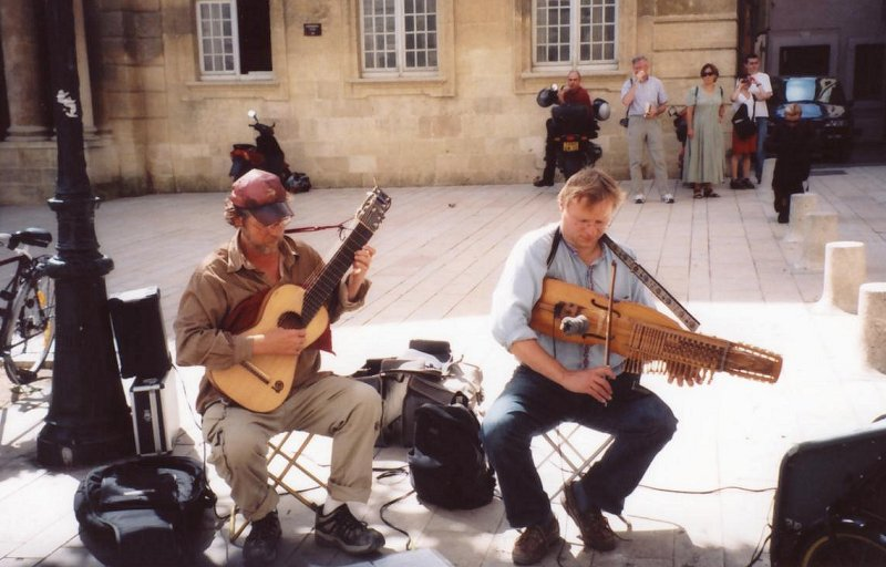 Nyckelharpa and lyre guitar