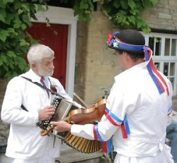 Colin Bathe and fiddler Matt Green, at Bampton