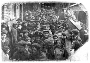 Photo of 1910 women chainmakers' strike - from Stourbridge County Express.