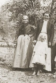 Mrs Matilda Gosnell (on left) and her daughter Mrs Nancy Shelton and grand-daughter